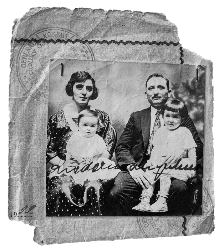 Aranka (left) and William Riederman (right) holding their children Mythieu (left) and Magda (right), 1922